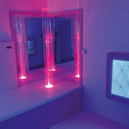 Interaktívny svetelný valec so základňou