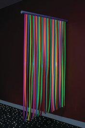 UV svietiaci vodopád